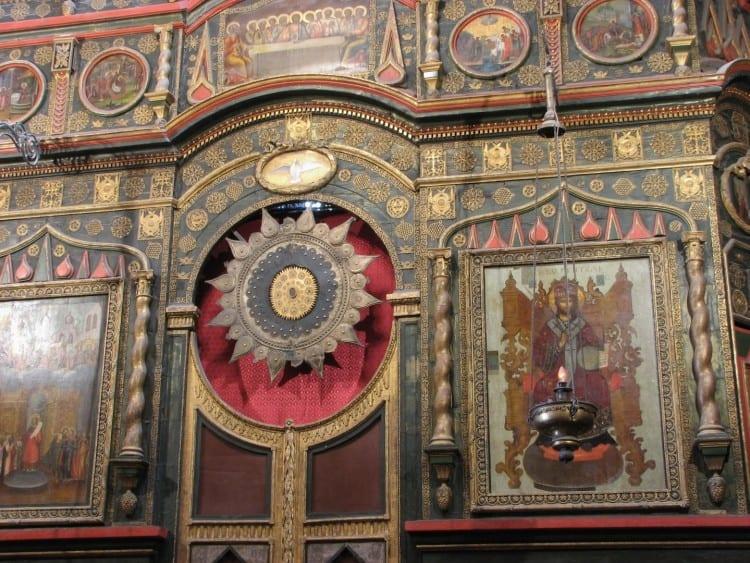 Binnenkant van de St. Basil's Kathedraal, zeker de moeite waard om te bekijken