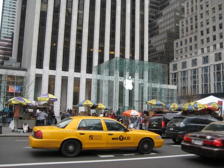 Het Apple flagship store, deze is te vinden midden op 5th avenue en is vrijwel volledig ondergronds.