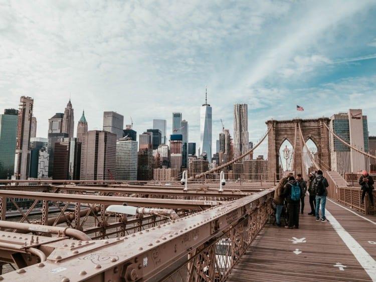Brooklyn Bridge met uitzicht op Manhattan