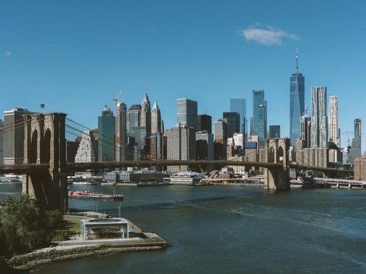 De totale overspanning van de Brooklyn Bridge is 1800 meter!