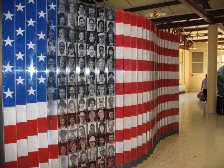 Immigranten op Ellis Island verwerkt in de Amerikaanse Vlag